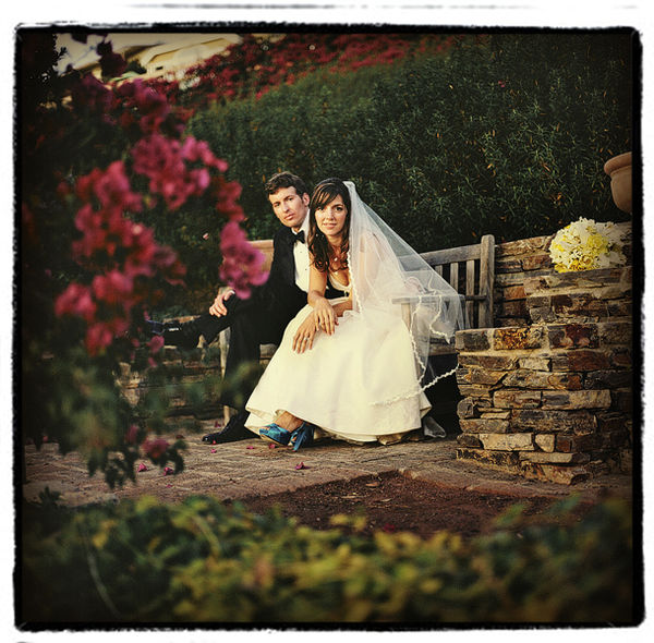 Q-LagunaWedding-OneLovePhoto-bench