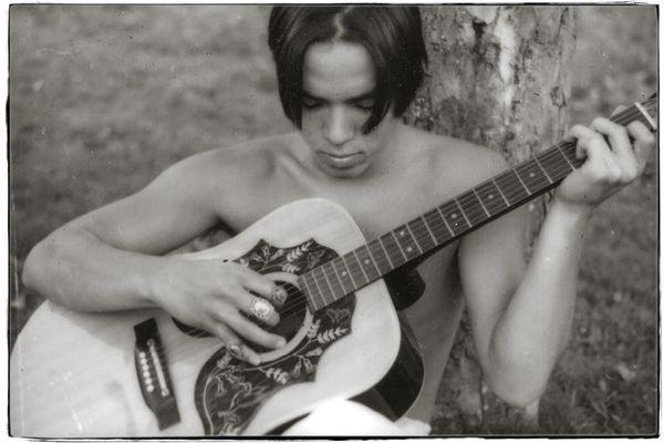 Jon_17_guitar_2